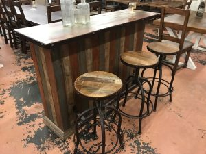 Multicolored Bar and adjustable height stools